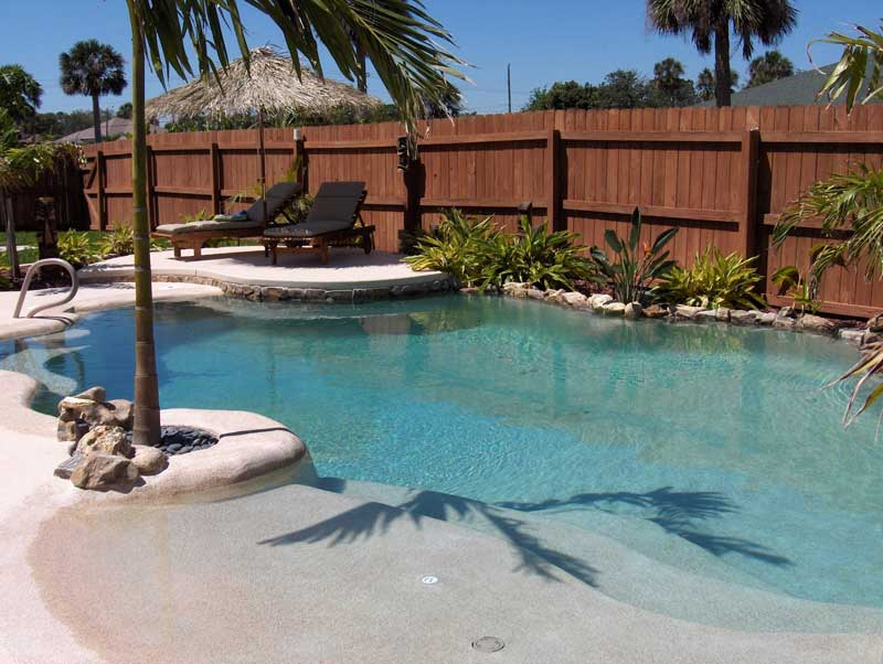 WHAT IS ENTAILED IN MAINTAINING A SALT CHLORINE POOL |
