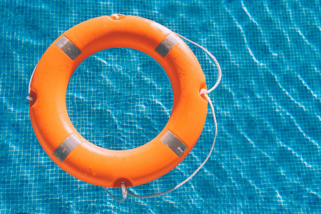 lifesaver-in-the-swimming-pool-vausykx-scaled-1024x684