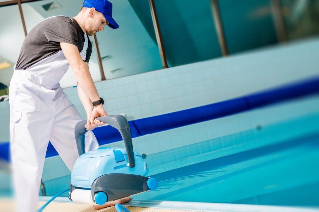 automated-pool-cleaner-p7q9dgp-scaled-1024x683