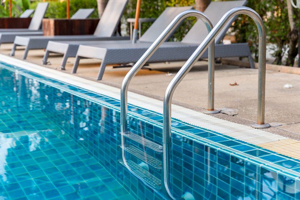 bigstock-ladder-stainless-handrails-for-362685415-1024x683