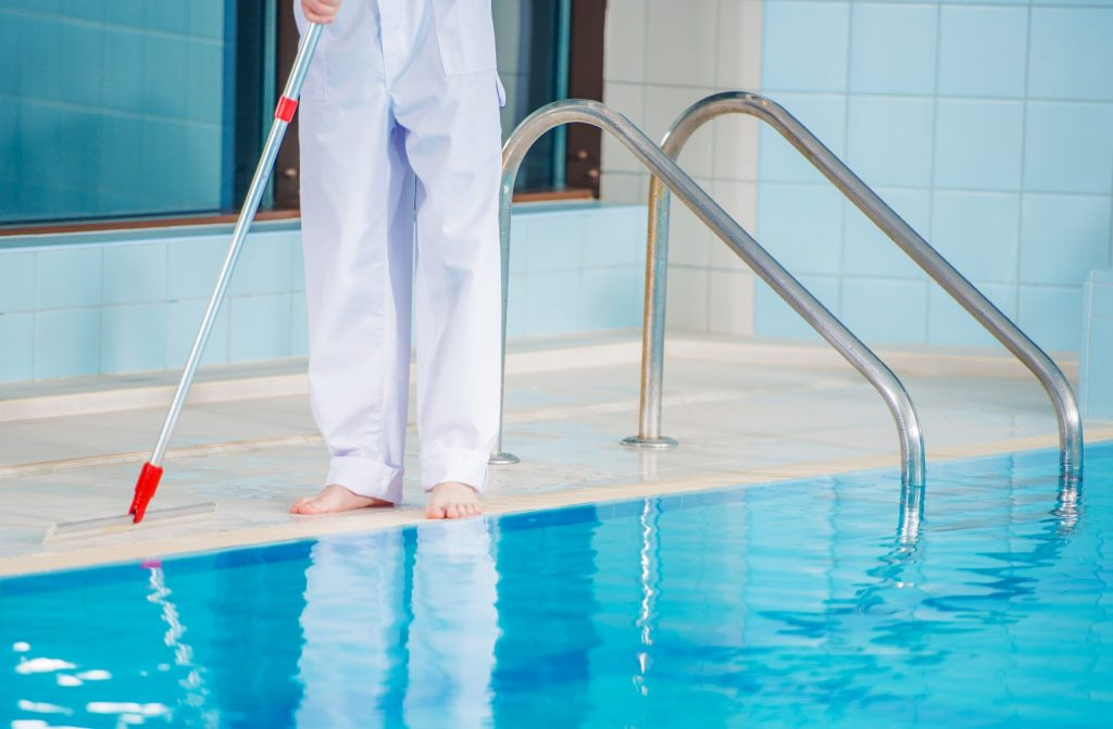 swimming-pool-cleaning-pxygm75-scaled-1024x671